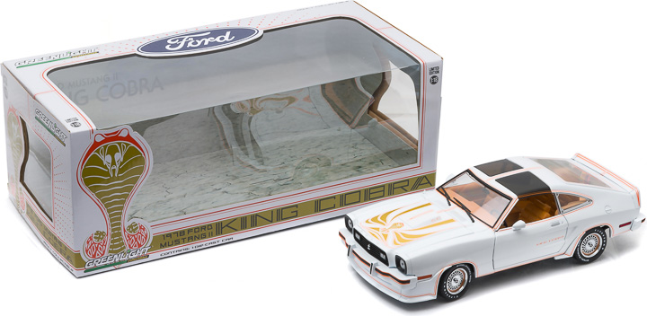 12939 - 1:18 Scale - 1978 Ford Mustang II King Cobra - Polar White and Gold