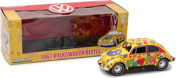 13509 - 1:18 1967 Volkswagen Beetle Right-Hand Drive - Hippie Peace & Love