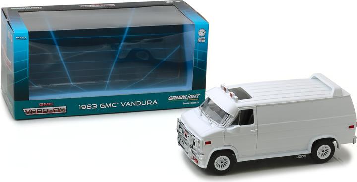 13522 - 1:18 1983 GMC Vandura Custom - White
