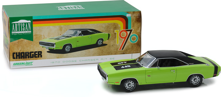 13529 - 1:18 Artisan Collection - 1970 Dodge Charger R/T SE - Sublime Green
