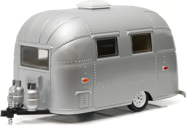 18224 - 1:24 Airstream 16' Bambi Sport - Silver