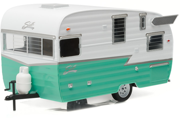 18227 - 1:24 Shasta 15' Airflyte - White and Green