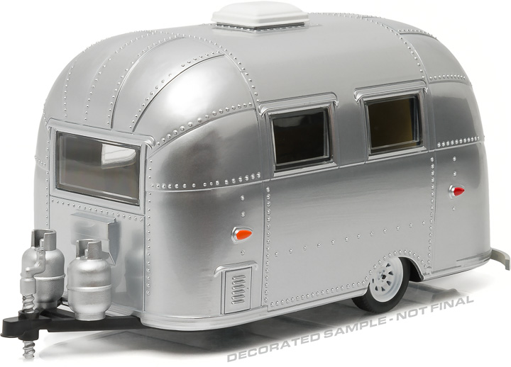 18228 - 1:24 Airstream 16' Bambi Sport – Polished Chrome