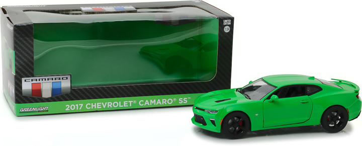 18244 - 1:24 2017 Chevy Camaro SS - Krypton Green