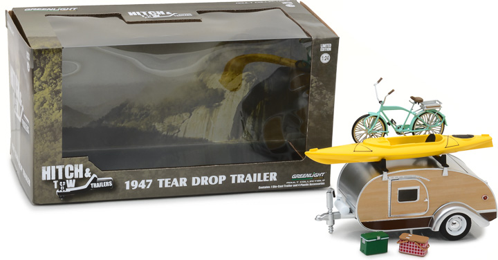 18430-A - 1:24 Hitch & Tow Trailers - Teardrop Trailer with Roof Rack, Bicycle, Kayak, Cooler and Picnic Basket