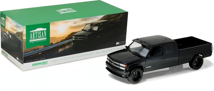 1:18 Artisan Collection - 1997 Chevrolet C-2500 Crew Cab Silverado - Black