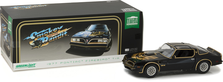 19025 - 1:18 Artisan Collection - 1977 Pontiac Firebird Trans Am