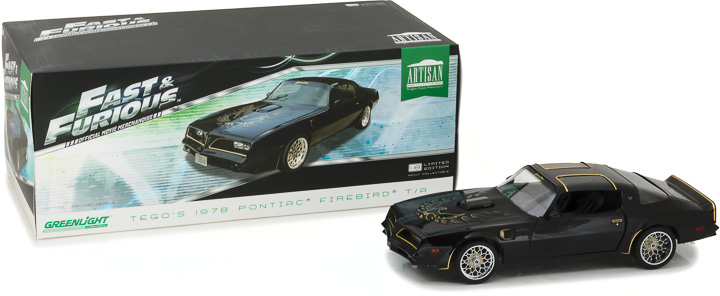19026 - 1:18 Artisan Collection - 1978 Pontiac Firebird Trans Am
