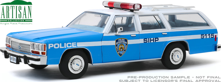 19062 - 1:18 Artisan Collection - 1988 Ford LTD Crown Victoria Wagon - New York City Police Dept (NYPD)