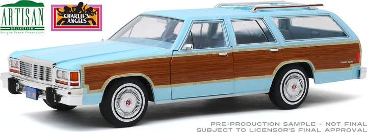 19066 - 1:18 Artisan Collection - Charlie's Angels (1976–81 TV Series) - 1979 Ford LTD Country Squire