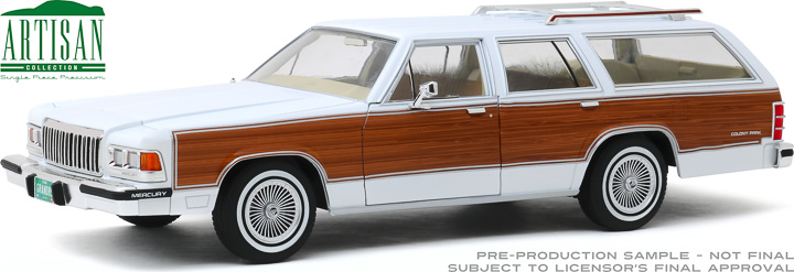 19067 - 1:18 Artisan Collection - 1989 Mercury Grand Marquis Colony Park - White with Wood Grain Paneling