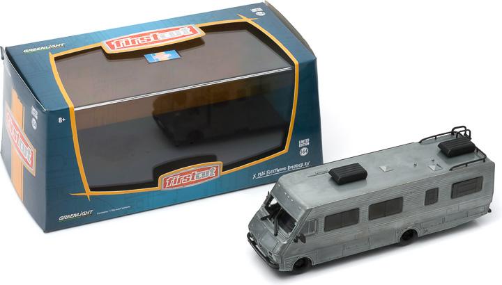 1986 Fleetwood Bounder 1:64 firstcut Hobby Exclusive 2-Car Set