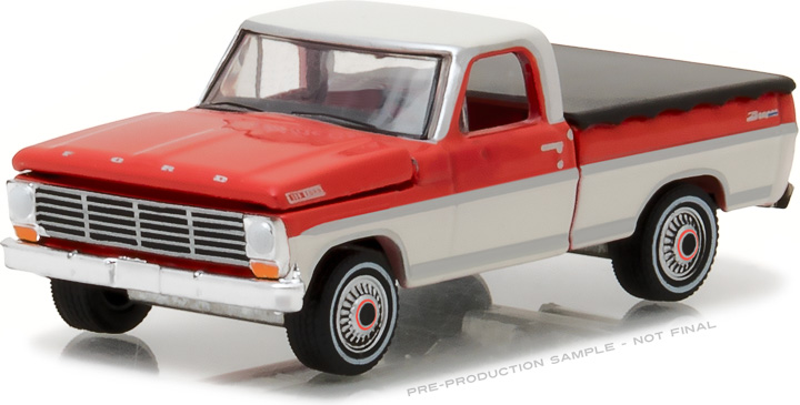 29862 - 1:64 1967 Ford F-100 with Bed Cover - 1967 Ford F-100