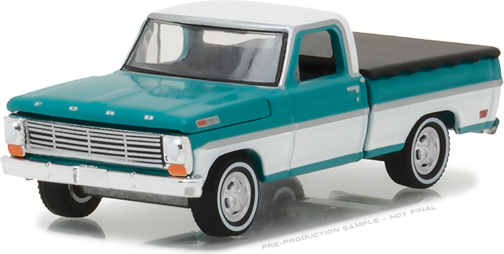 29924 - 1:64 1969 Ford F-100 with Bed Cover