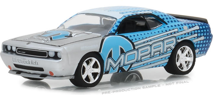 29962 - 1:64 2009 Dodge Challenger MOPAR Edition