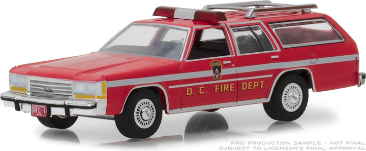 29999 - 1:64 1990 Ford LTD Crown Victoria Wagon - Washington D.C. Fire Dept.