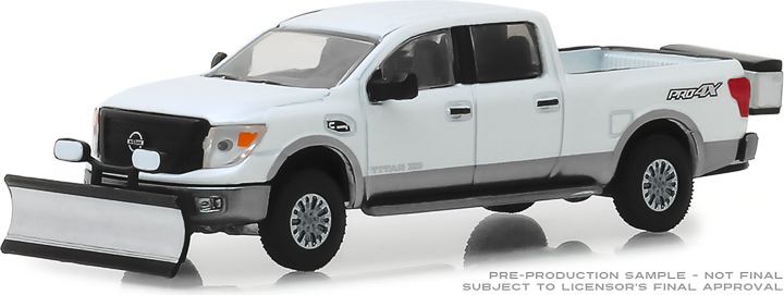 30021 - 1:64 2018 Nissan Titan XD Pro-4X with Snow Plow and Salt Spreader