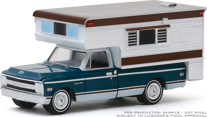 30121 - 1:64 1969 Chevy C10 Cheyenne with Large Camper