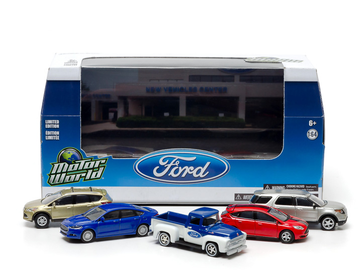 1:64 MotorWorld Diorama - Modern Ford Dealership