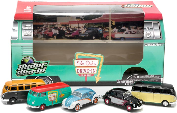 1:64 MotorWorld Diorama - Volkswagen 60's Drive In Restaurant with Carhops