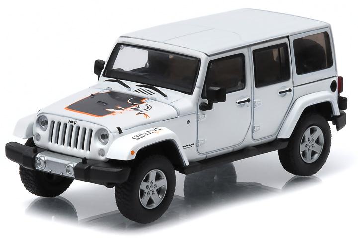 1:43 2011 Jeep Wrangler Unlimited - Mojave Edition - Bright White