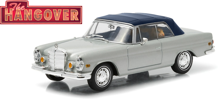 1:43 Hollywood - The Hangover (2009) - 1969 Mercedes-Benz 280 SE Convertible (damaged) - with Tiger