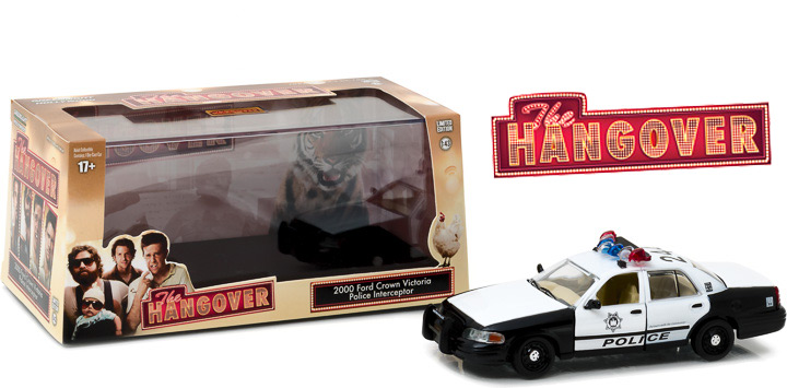 86506 - 1:43 The Hangover (2009) - 2000 Ford Crown Victoria Police Interceptor